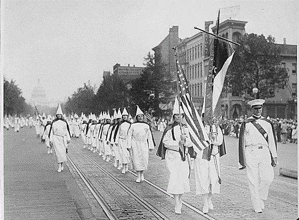 http://www.lessignets.com/signetsdiane/calendrier/images/aout/8/Kkk1928.jpg