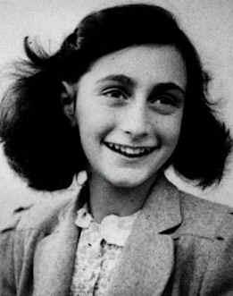 L'homme est un loup pour l'homme... Anne_Frank4
