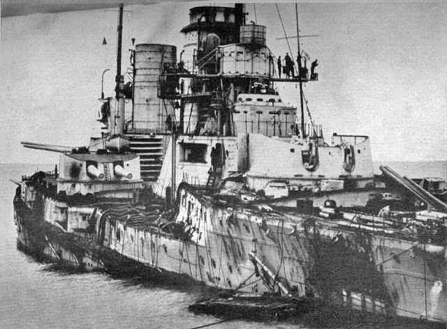 31 mai 1916 : Bataille du Jutland . Sms_seydlitz_damage15232325