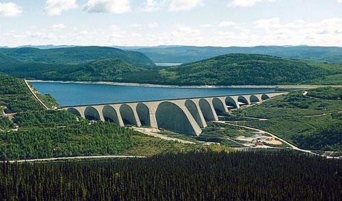 Manic 5, le plus haut barrage à voûtes multiples au monde