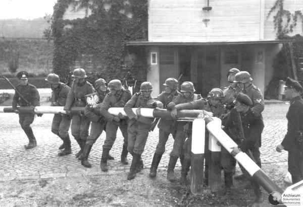 Ephémérides du 1er septembre  Poland_invasion_1939_09_0122